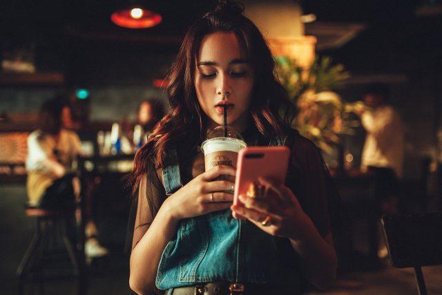Le déroulement des pauses cafés dans les entreprises